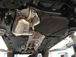 汽车加装发动机护板